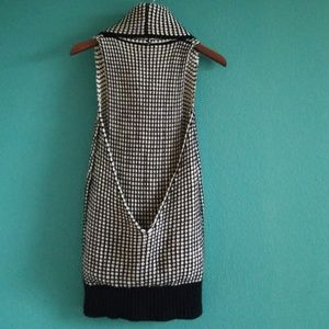 {WOW Couture} Black & White T-back Turtleneck Top